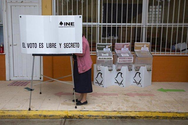 Centro de votación en Ciudad de México durante las últimas elecciones federales