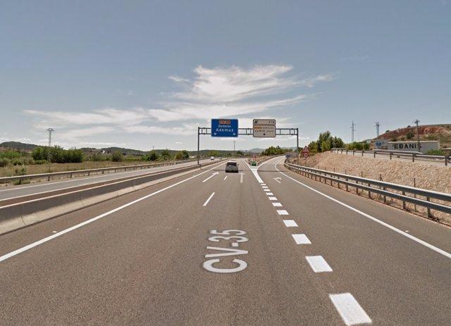 Carretera CV-35 a su paso por Llíria