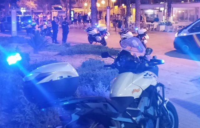 Policía Local y Policía Nacional disuelven un botellón en Palma