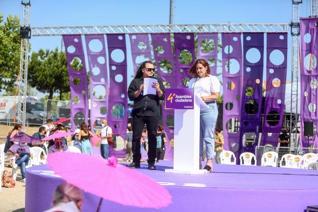 Los candidatos a secretarios generales de Unidas Podemos, Fernando Barrero y Sarai Delgado