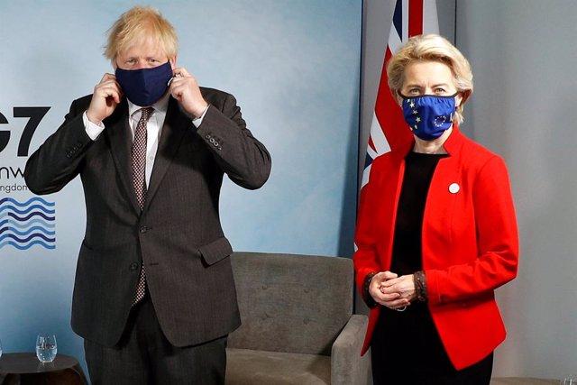 La presidenta de la Comissió Europea, Ursula von der Leyen, i el primer ministre del Regne Unit, Boris Johnson