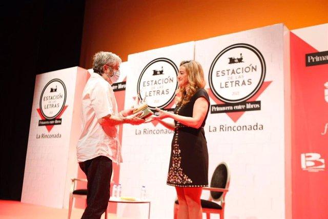 Antonio Muñoz Molina recibe el Premio Factoría Creativa de las Letras 2020 a toda su trayectoria.