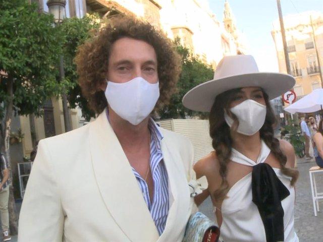José Antonio León y Rocío Madrid felices instantes antes de darse el 'sí, quiero'.