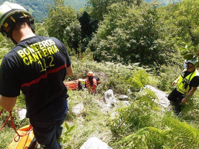 Rescate a un escalador en Socueva