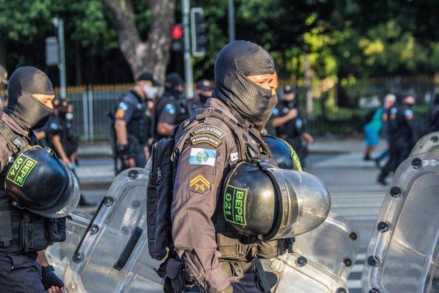 Archivo - Agentes de la Policía Militar de Brasil.