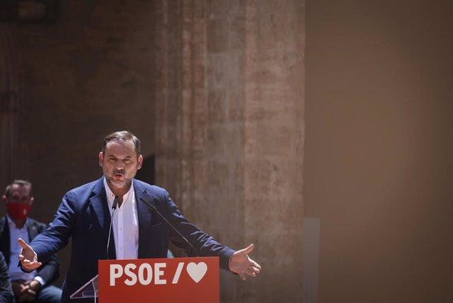 El ministro de Transportes  y secretario de organización del PSOE, Jose Luis Ábalos, durante la celebración del acto 'Tres años de gobierno progresista', a 6 de junio de 2021, en Valencia, Comunidad Valenciana (España).