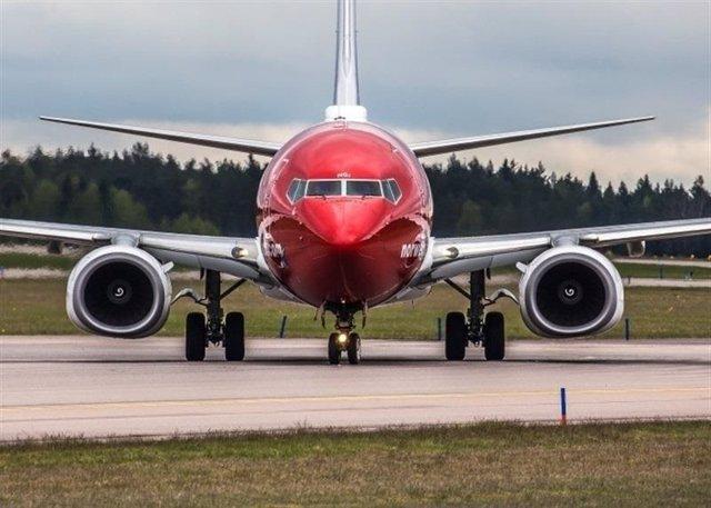 Archivo - Avión de Norwegian