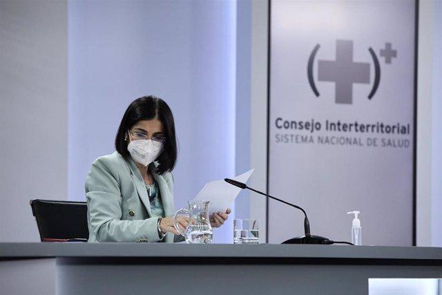 La ministra de Sanidad, Carolina Darias, durante la rueda de prensa posterior al Consejo Interterritorial de Salud, a 9 de junio de 2021, en Madrid (España).