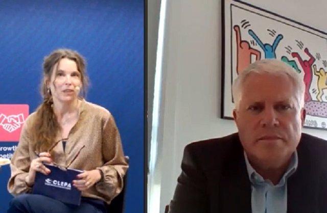 La secretaria general de Clepa, Sigrid de Vries, y el presidente Thorsten Muschal.