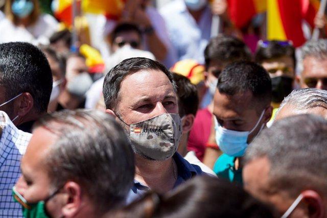 El líder de Vox, Santiago Abascal, participa en una concentració contra els indults als presos del procés a la plaça Colón de Madrid.