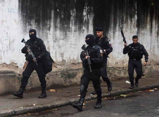 Archivo - Efectivos de la Policía Militar brasileña en un operativo en Río de Janeiro en una imagen de archivo