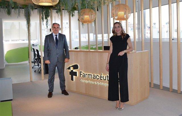 Jesús Aguilar Santamaría, presidente del CGCOF, y Matilde Sánchez Reyes, presidenta de FEDIFAR