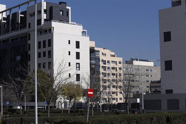 Archivo - Arxiu - Blocs de pisos en una ciutat.