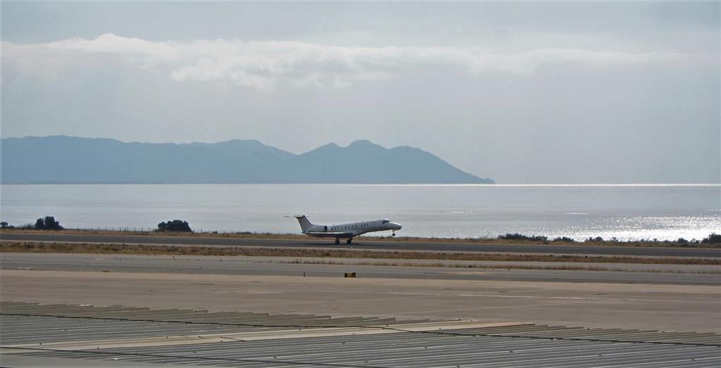 El Aeropuerto de Almería contabiliza casi 15.300 pasajeros en mayo, más de un tercio más que en el mes anterior
