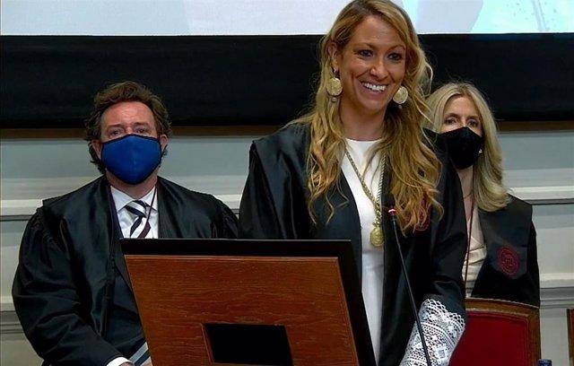 La decana del Icab, Maria Eugènia Gay, toma posesión del cargo.