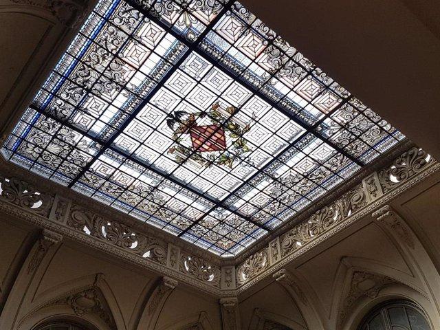 Cristalera del vestíbulo del Ayuntamiento de València