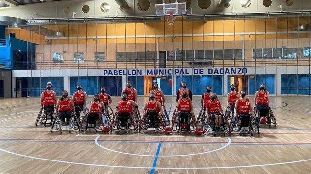 Archivo - La selección femenina de baloncesto en silla de ruedas durante una concentración para preparar los Juegos de Tokio
