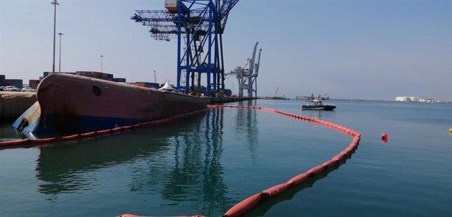 Familiares del estibador desaparecido piden que se reflote el barco