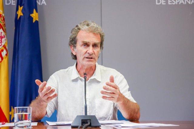 El director del Centro de Alertas y Emergencias Sanitarias (CAES), Fernando Simón, interviene en una rueda de prensa para informar sobre la pandemia de Covid-19, a 14 de junio de 2021, en el Ministerio de Sanidad, Madrid, (España). Durante la comparecenci