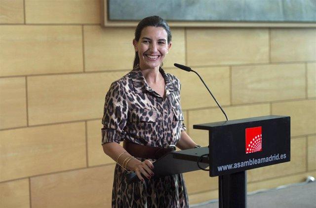 La portavoz de Vox en la Asamblea de Madrid, Rocío Monasterio, responde a los medios tras una reunión con la presidenta de la Asamblea de Madrid, a 14 de junio de 2021, en Madrid (España).