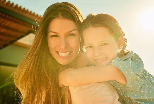 Archivo - Madre e hija.