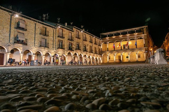 Inauguración de la iluminación de la Plaza Mayor de Sigüenza.