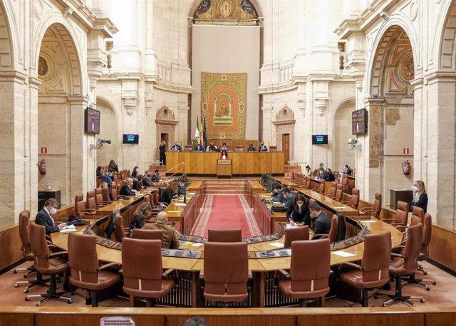 Archivo - Salón de Plenos del Parlamento de Andalucía (Foto de archivo).