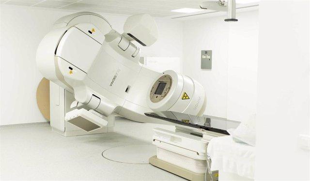 Archivo - Quirónsalud Torrevieja adquiere un nuevo acelerador lineal para el tratamiento de todo tipo de cánceres con radioterapia
