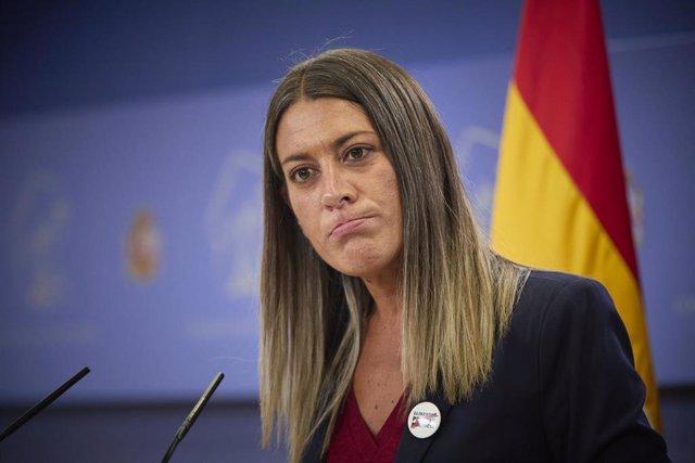 La portavoz de Junts per Catalunya, Miriam Nogueras, interviene en una rueda de prensa anterior a una Junta de Portavoces del Congreso.