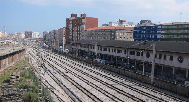 Archivo - Vías del tren en Santander