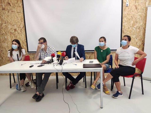 De izda a dcha, Molero, Santamaría, Martínez, Sanz y Caballero explican el nuevo Espacio Colaborativo.