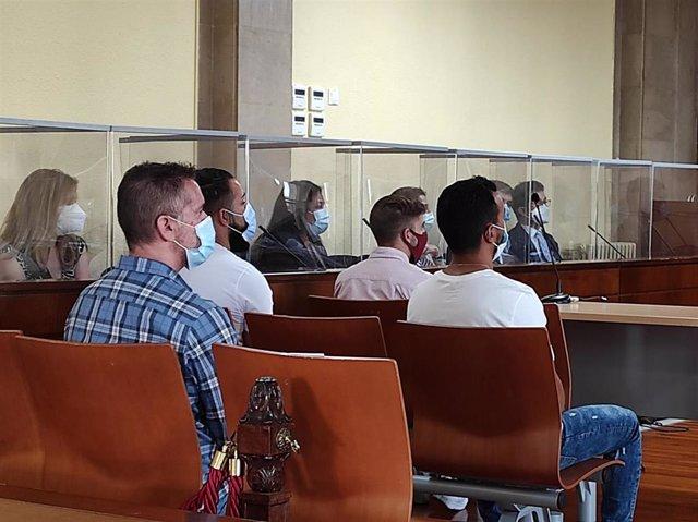 Los acusados en la sala de vistas de la Audiencia de Jaén