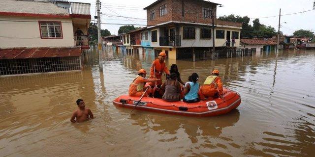 Archivo -    Se decreta la alerta roja en 28 departamentos colombianos tras los deslizamientos de tierra y desbordamientos de ríos que han dejado ya cerca de 6.000 familias damnificadas por la primera temporada de lluvias en el país, que comenzó el pasado