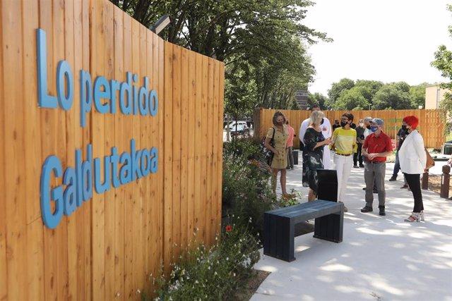 La presidenta Chivite visita el jardín homenaje a las víctimas del Covid-19