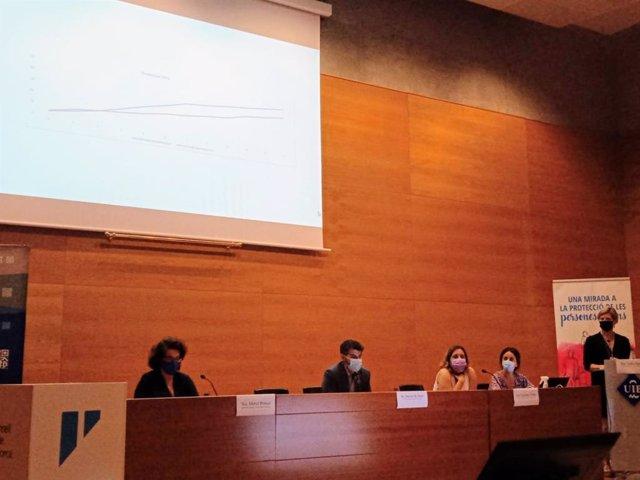 El conseller insular de Derechos Sociales y presidente del IMAS, Javier de Juan, en la jornada 'Una mirada a la protecció de les persones grans'.