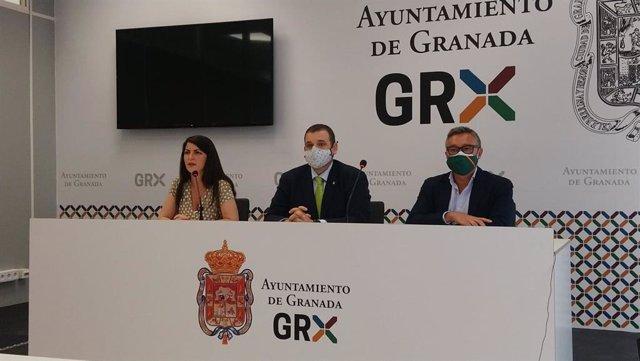Macarena Olona, Onofre Miralles y Manuel Gavira, de Vox