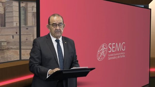 Inauguración oficial del XXVII Congreso Nacional de Medicina General y de Familia, con el presidente de la SEMG, el doctor Antonio Fernández-Pro Ledesma