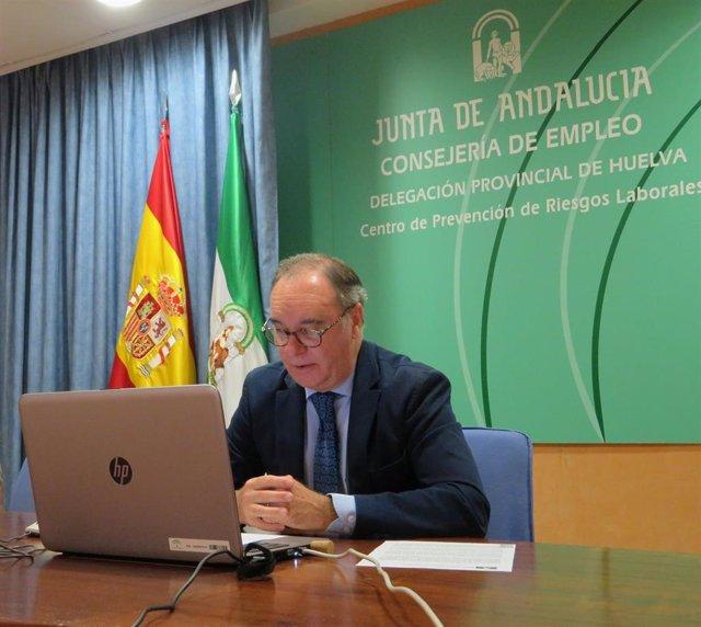 El delegado de Empleo, Formación, Trabajo Autónomo, Transformación Económica, Industria, Conocimiento y Universidades en Huelva, Antonio Augustín.