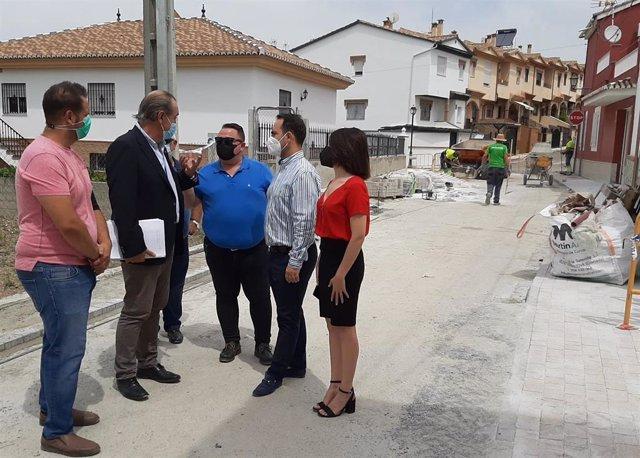 El delegado territorial de Regeneración, Justicia y Administración Local de la Junta en Granada, Enrique Barchino, visita Pulianas