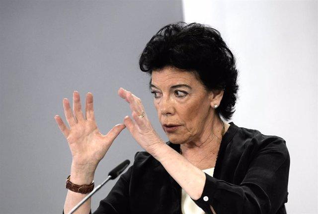 La ministra de Educación y Formación Profesional, Isabel Celaá, en la rueda de prensa posterior al Consejo de Ministros este martes 15 de junio de 2021, en La Moncloa