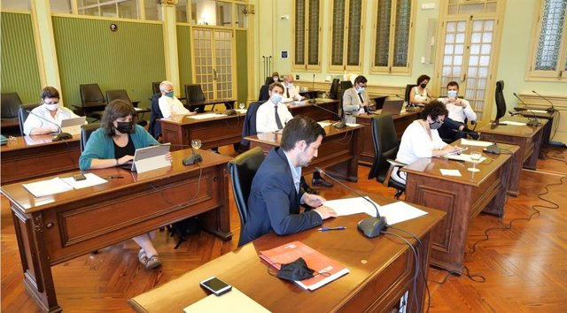Comisión de Hacienda del Parlament, este martes.