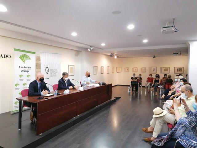 Presentación del encuentro con lectores con José Calvo Poyato de Almería