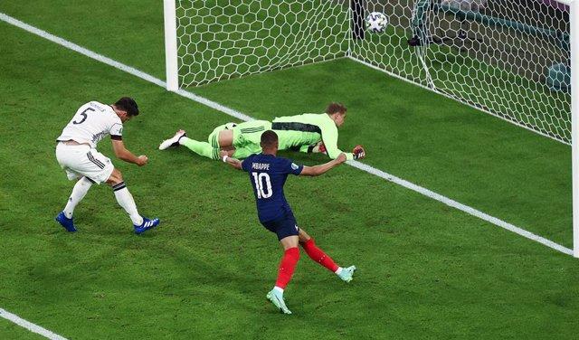 Francia vence a Alemania en su debut en la Eurocopa
