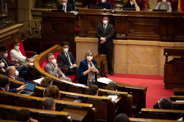 Archivo - Arxiu - L'exconsellera de Salut de la Generalitat, Alba Vergés, en una sessió de control al Govern.