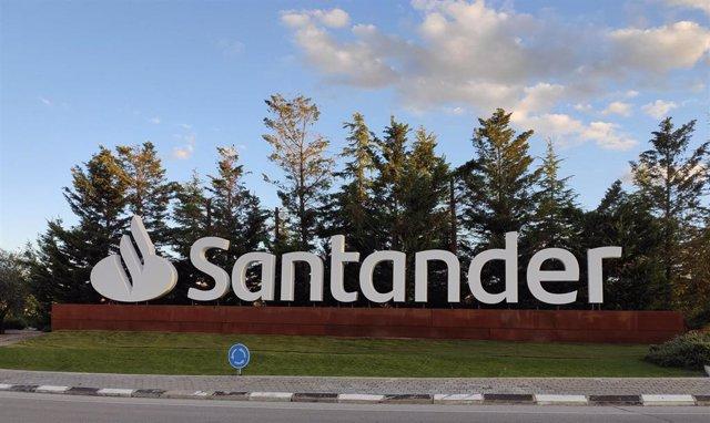 Archivo - Sede Banco Santander