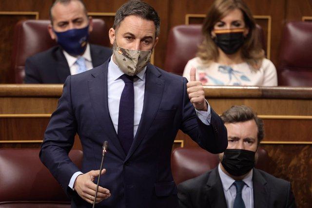 El líder de Vox, Santiago Abascal, interviene en una sesión de control al Gobierno, a 16 de junio de 2021, en el Congreso de los Diputados, Madrid, (España).