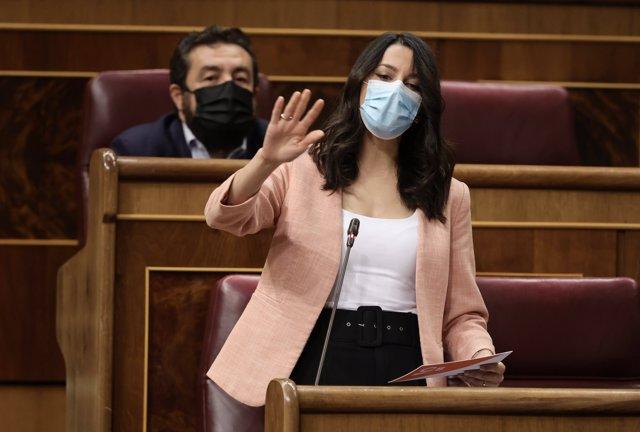 La líder de Cs, Inés Arrimadas, interviene en una sesión de control, a 16 de junio de 2021, en el Congreso de los Diputados, Madrid, (España).