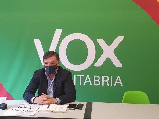 El portavoz de Vox en el Ayuntamiento de Santander, Guillermo Pérez-Cosío