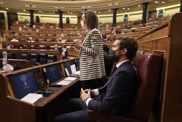 La portavoz del Grupo Parlamentario Popular en el Congreso, Cuca Gamarra, interviene en una sesión de control, a 16 de junio de 2021