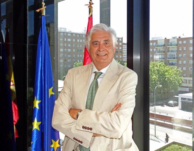Archivo - José Luis Curbelo, presidente de Cofides
